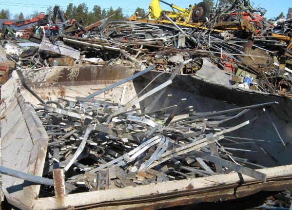 常熟回收塑料-可降解塑料还是可回收塑料?不妨先做好塑料分拣工作